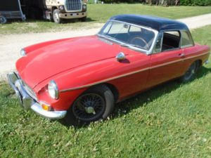 1965 MGB front